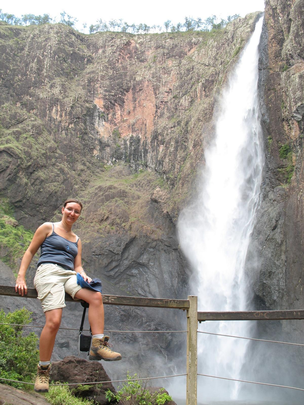 Giovanna vor den Wallaman Falls