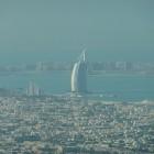 Blick Richtung Burj al Arab von der Aussichtsplattform des Burj Khalifa