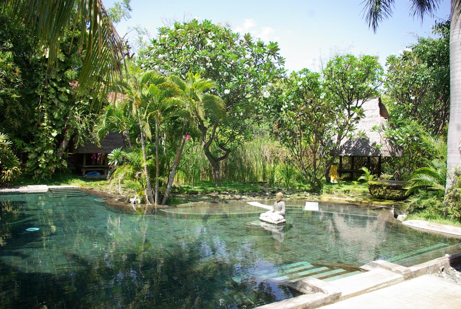 Pool des Pondok Sari Resorts